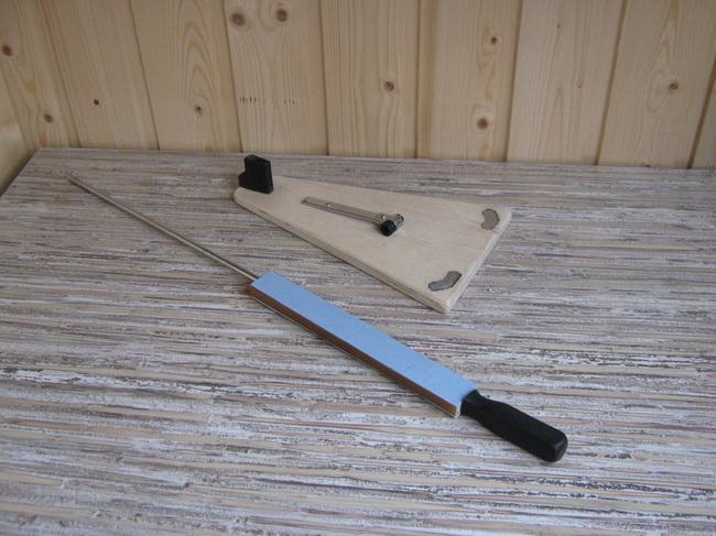 Простая самодельная точилка для ножей в фото
