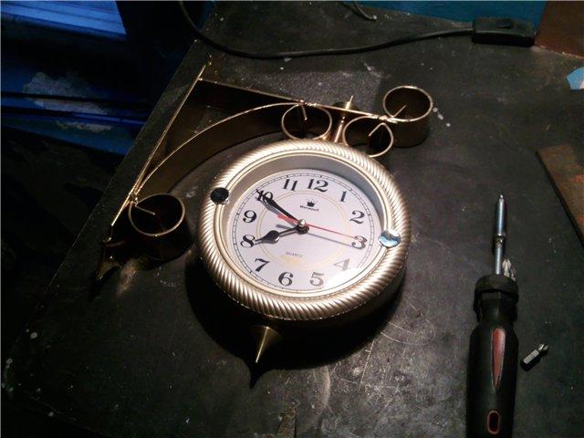 Часы станционные для дома в фото