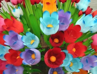 Пластиковые цветы для дачи своими руками фото 236