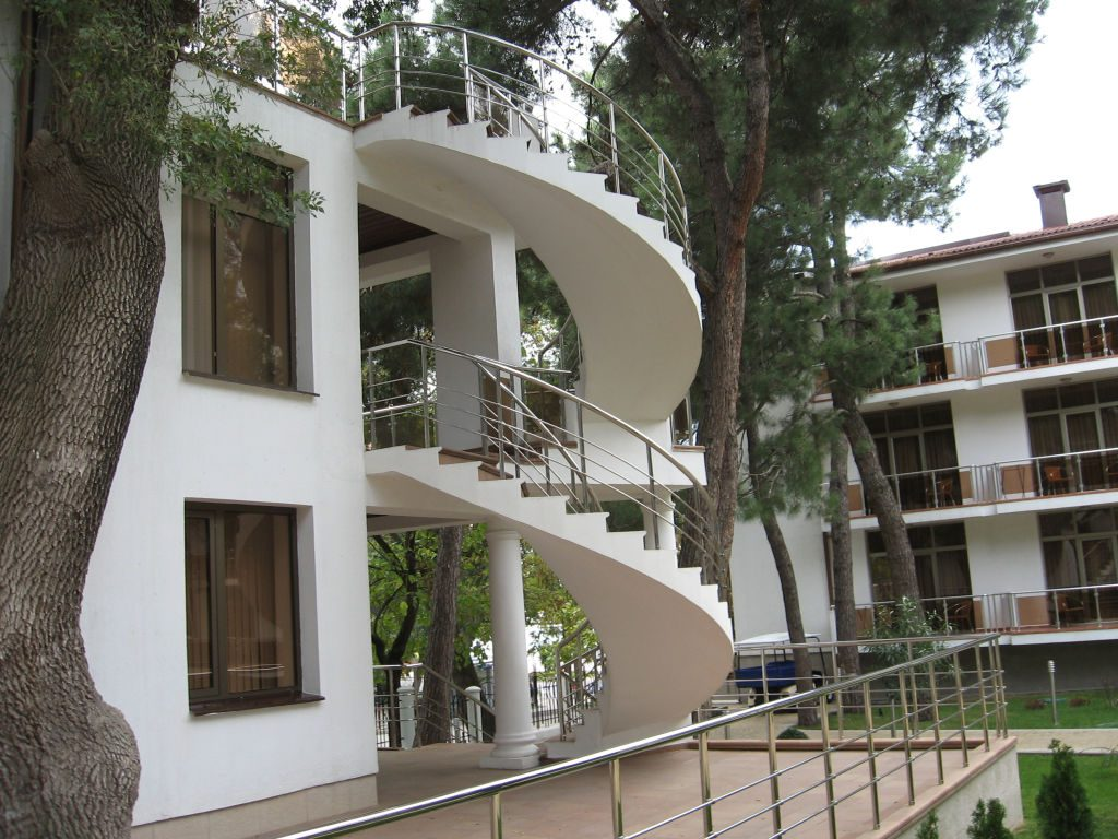 Наружная монолитная лестница