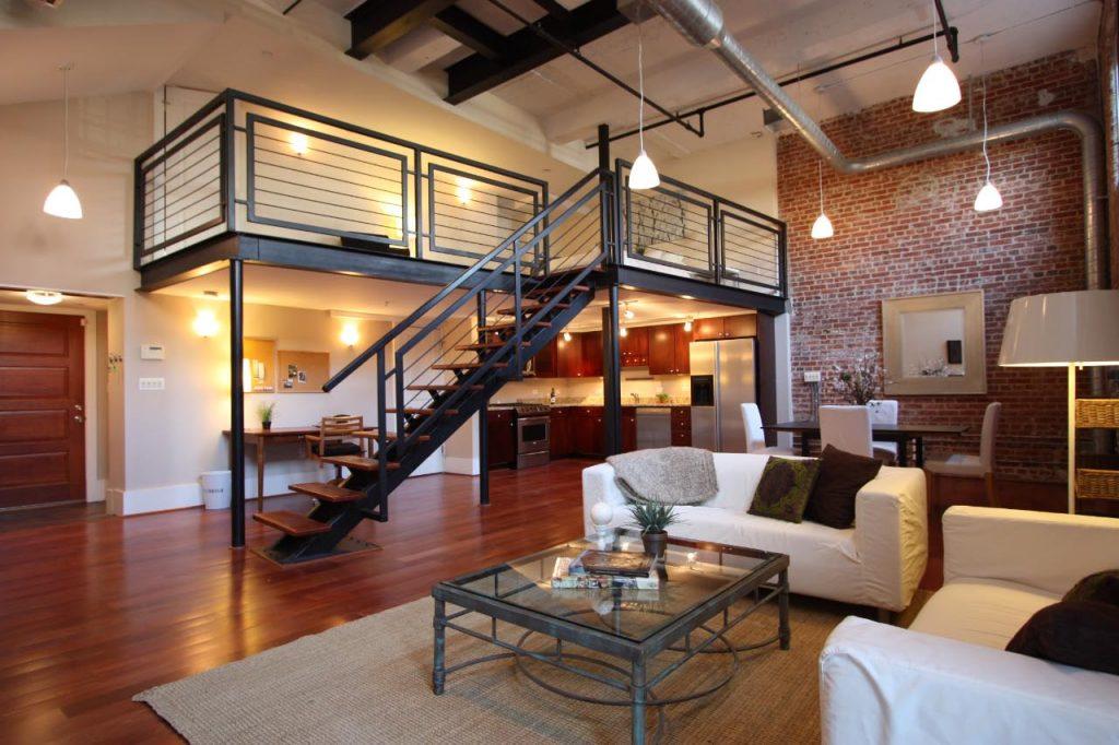 Лестница в гостиной в стиле лофт