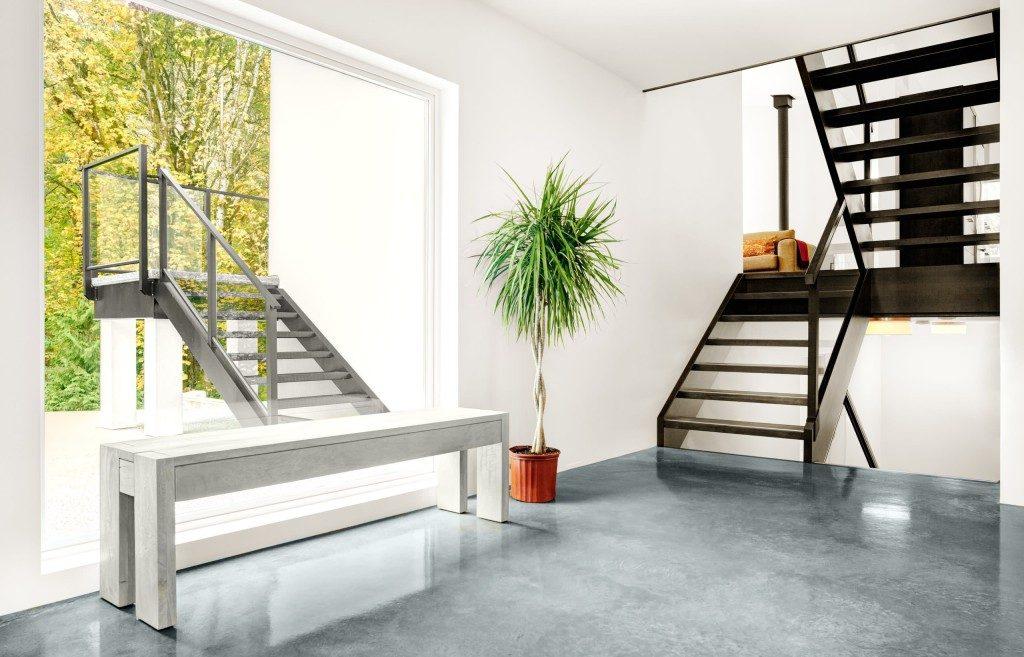 Универсальная лестница в нейтральном стиле