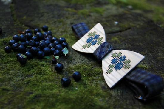 Галстук-бабочка ручной работы как оригинальный подарок в фото