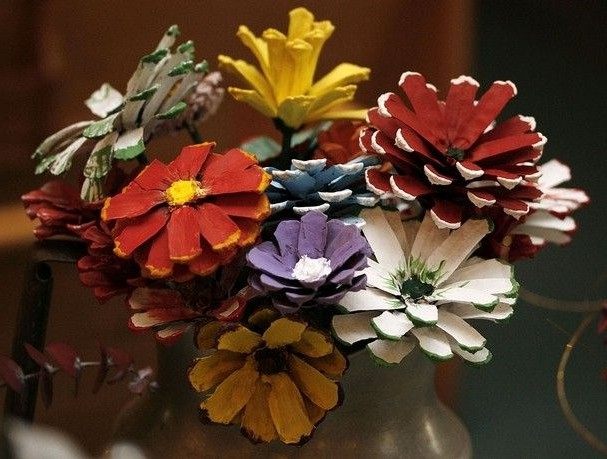 Поделки из шишек: что можно сделать из еловых и сосновых шишек для дома вместе с детьми (100 фото)