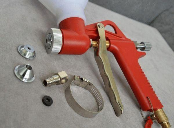 Устройство картушного пистолета для штукатурки и особенности работы с ним в фото