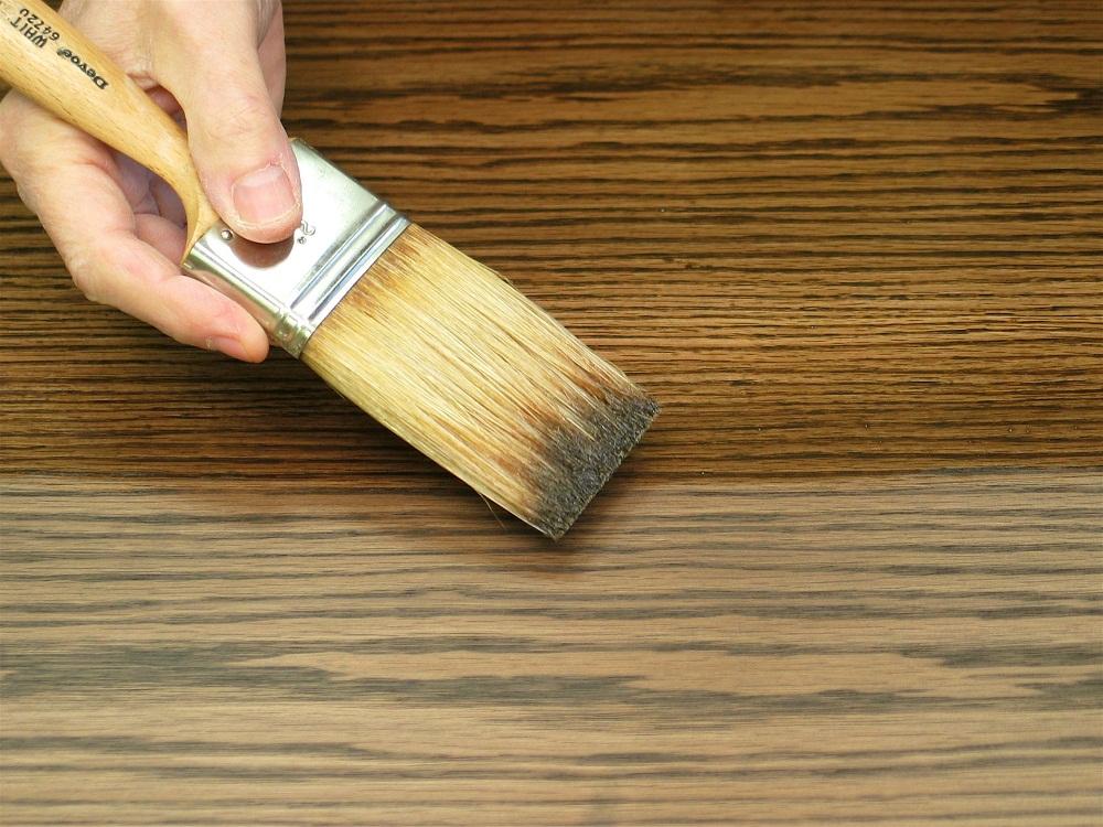 Как лакировать деревянную лестницу