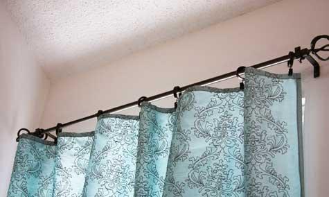 Простые шторы ручной работы в фото