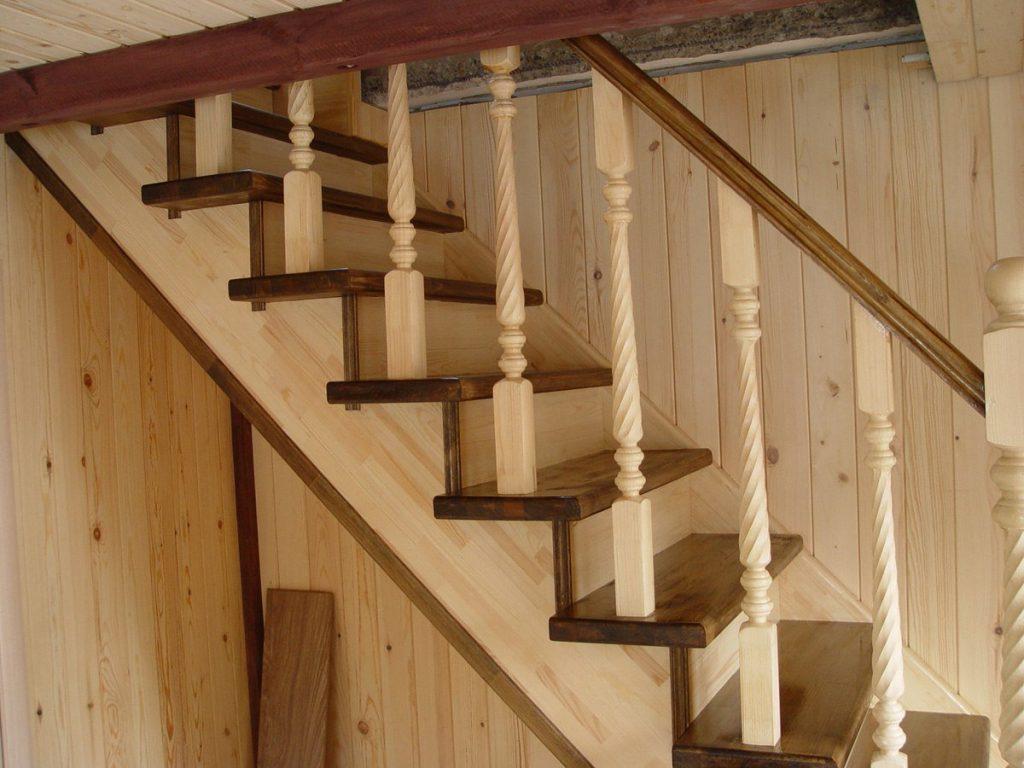 Простая лестница на косоурах своими руками