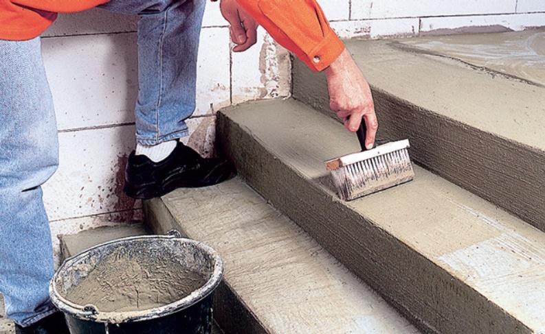 Грунтовка бетонной лестницы
