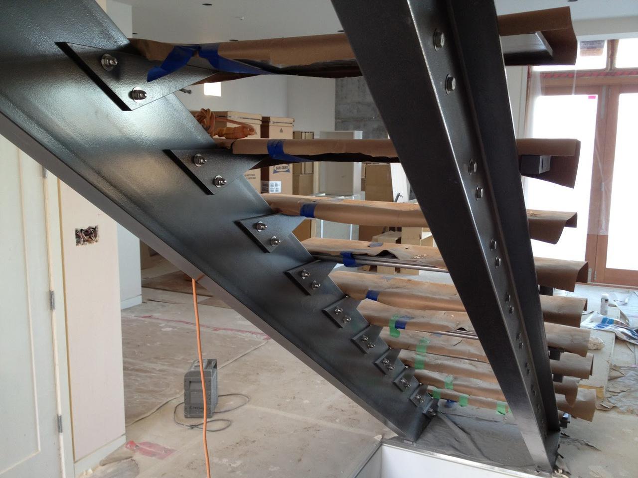 Косоуры лестниц из металла своими руками фото 783