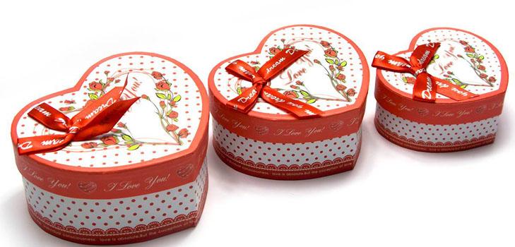 Коробка-сердце своими руками с конфетами из бумаги