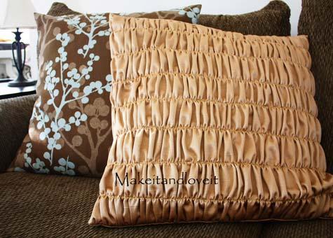 Подушки ручной работы | Аккуратные складки в фото