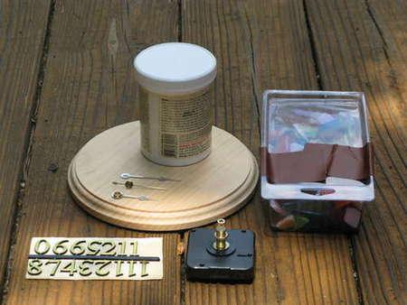 Настенные часы ручной работы в фото