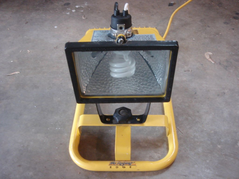 Как сделать флуоресцентную лампу в фото