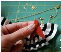 Ожерелье ручной работы из ткани в фото