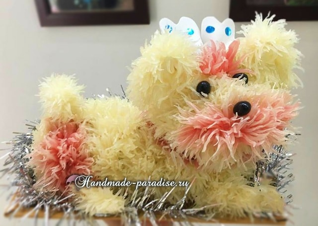 Собачка из грейпфрута для новогоднего стола в фото