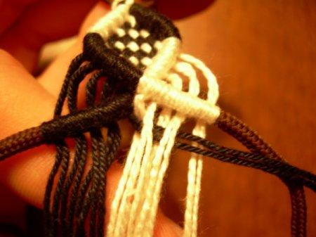 Двойная змейка: мастер класс по плетению в технике макраме в фото