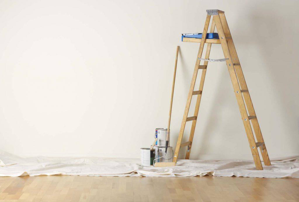 Деревянная двухсекционная лестница-стремянка