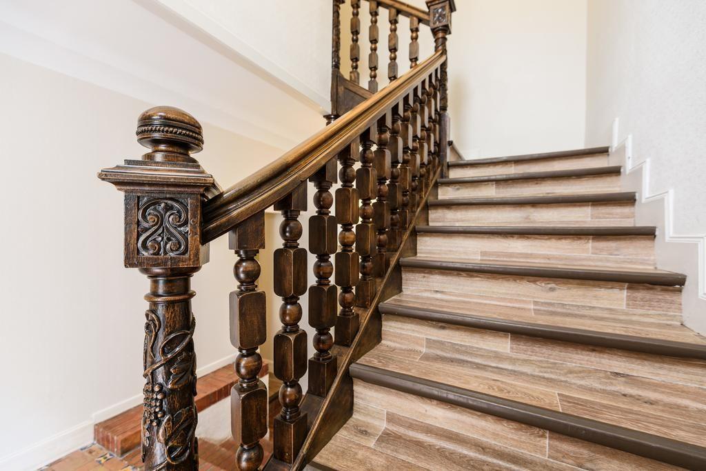 Элитные и эксклюзивные лестницы на заказ в Москве от
