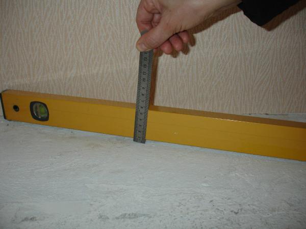 как выровнять пол под ламинат в фото