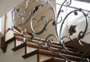 Особенности кованых лестниц: виды, преимущества и технология изготовления |+55 фото