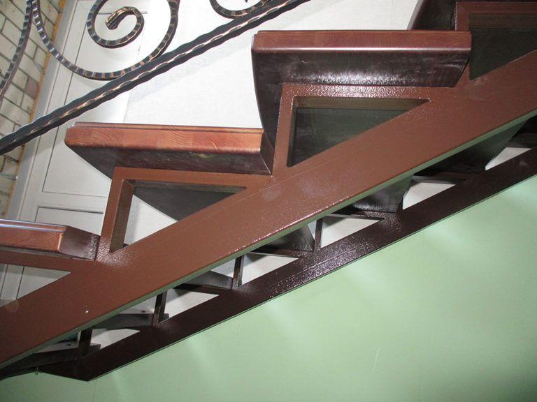 Металлическая лестница своими руками
