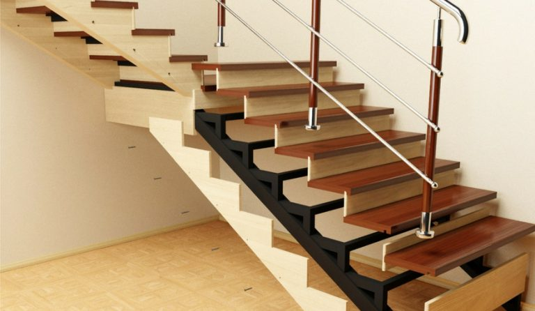 Отделка лестницы из профильной трубы деревом
