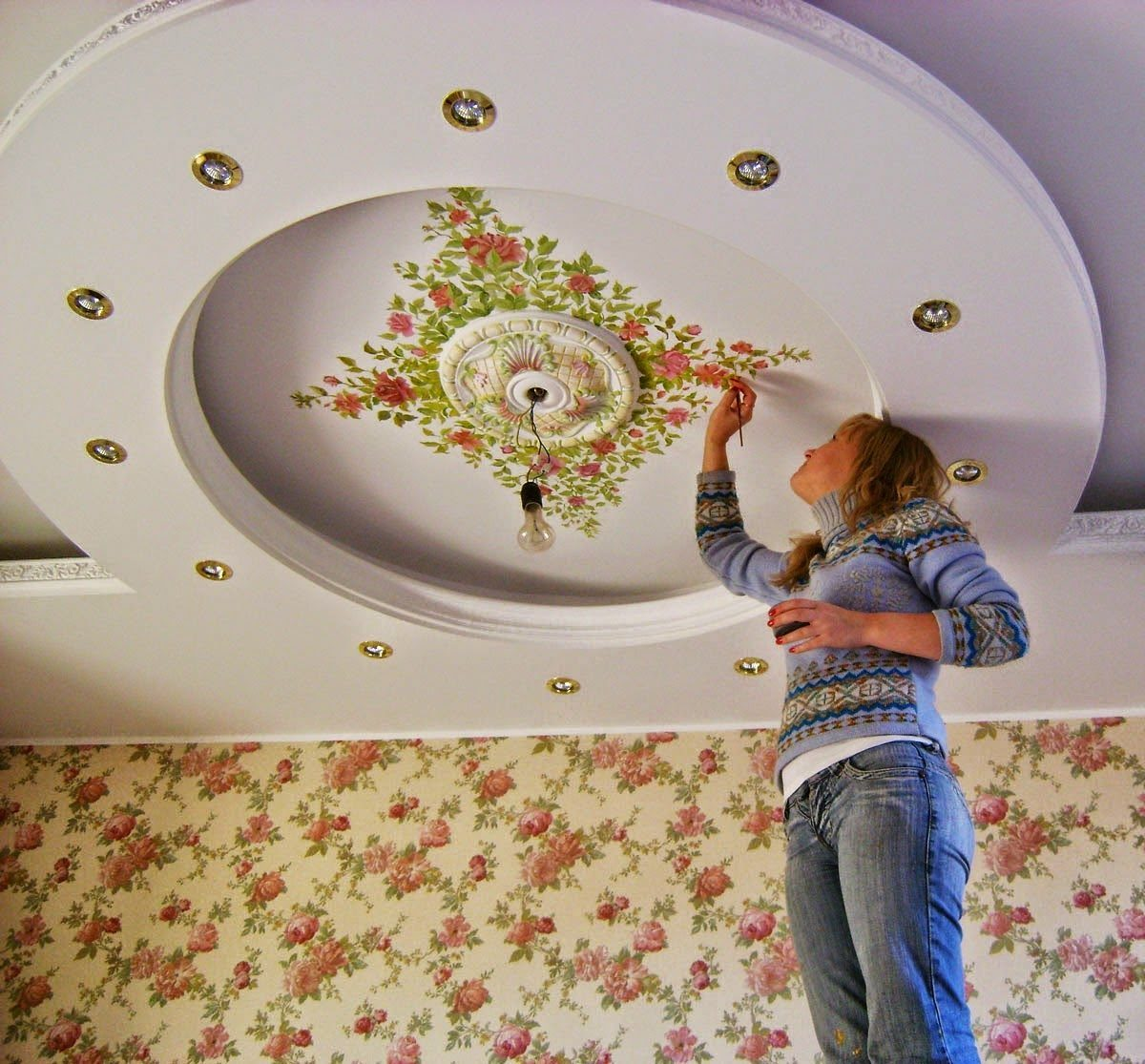 Как бюджетно украсить потолок