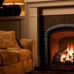 Камин в гостиной и кухне: современные варианты исполнения
