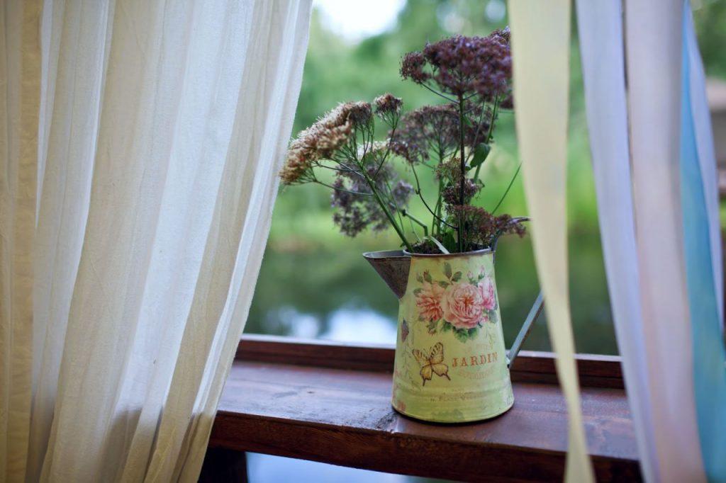 Емкость для цветов в стиле прованс