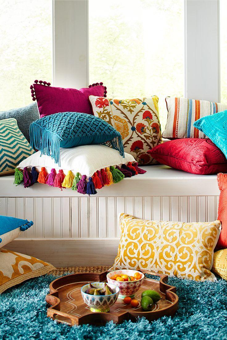Оригинальные подушки для гостиной