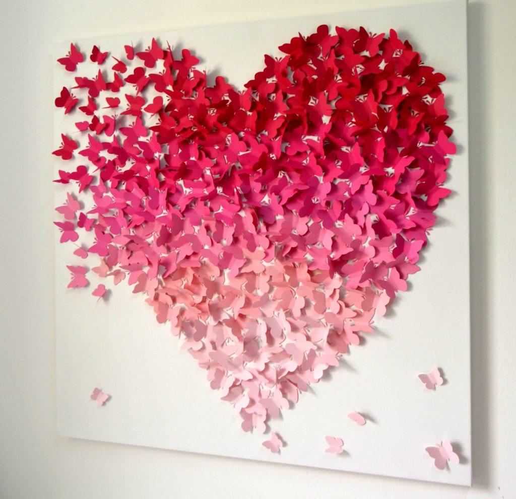 Сердце из бумажных бабочек