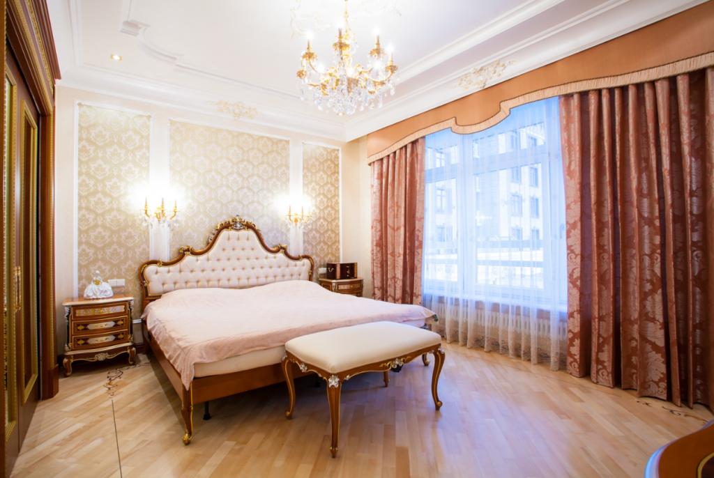 Интерьер спальни классика