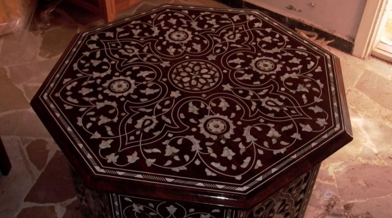 Столик в марокканском стиле