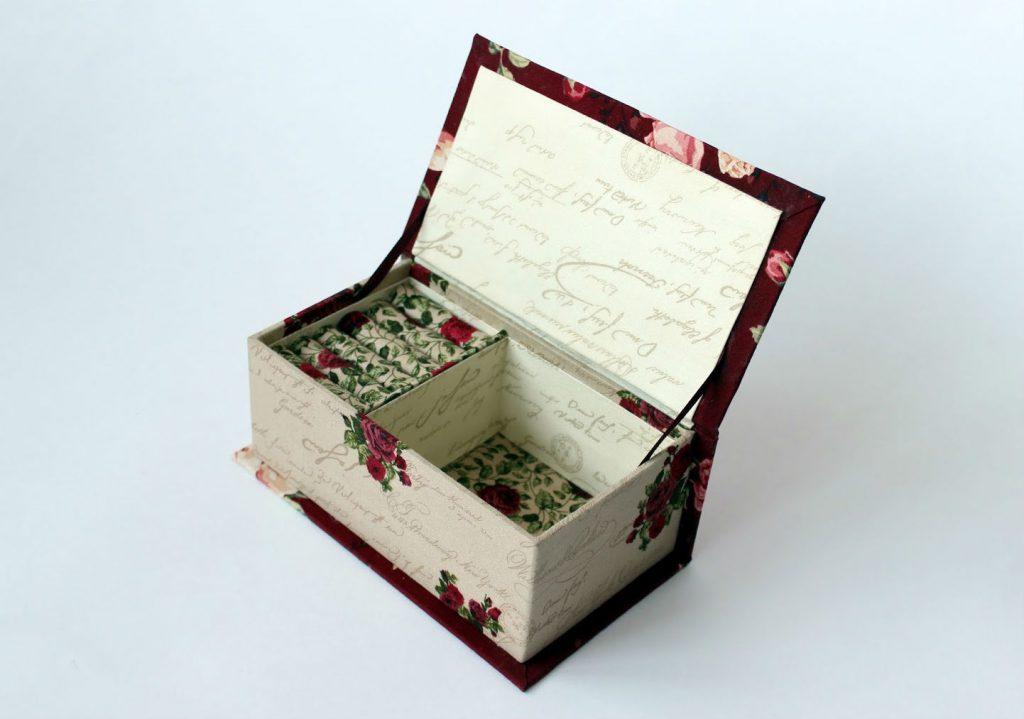 Декоративная шкатулка из картона