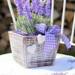 Горшок с цветами в стиле прованс