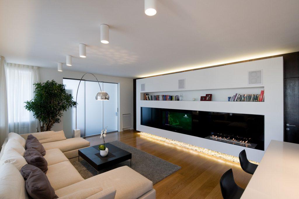 точечные подвесные светильники на потолке