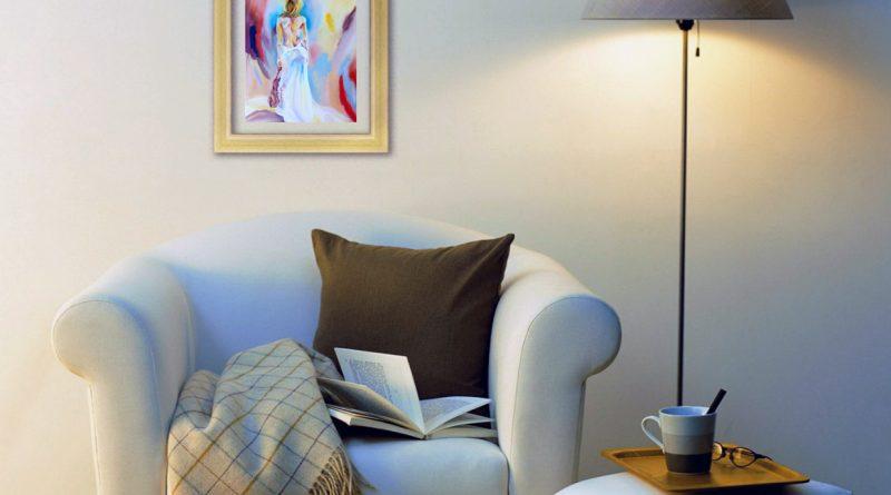 Как не испортить картинами стены комнаты
