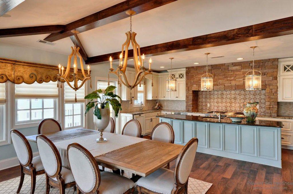 Деревянная люстра в интерьере кухни