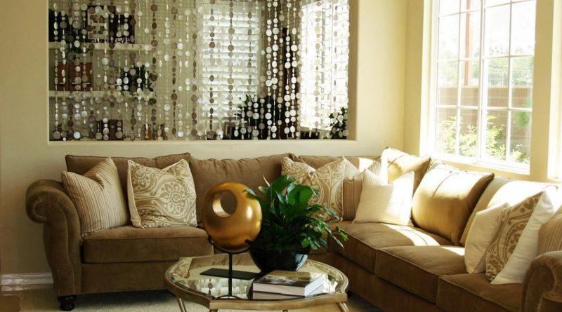 Шторы из бусин: оригинальная деталь вашей гостиной