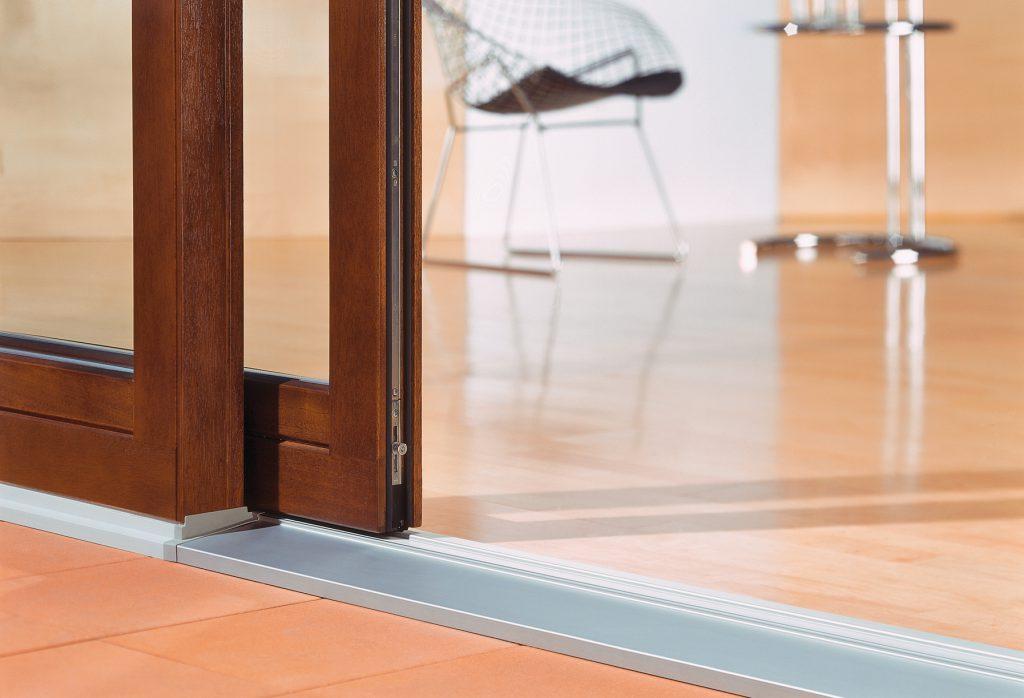 Раздвижные двери купе в гардеробную
