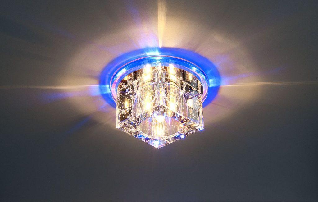 Точечный светильник для натяжных потолков