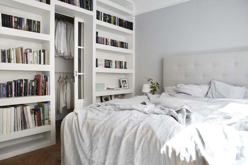 Вариант функциональной гардеробной в спальне