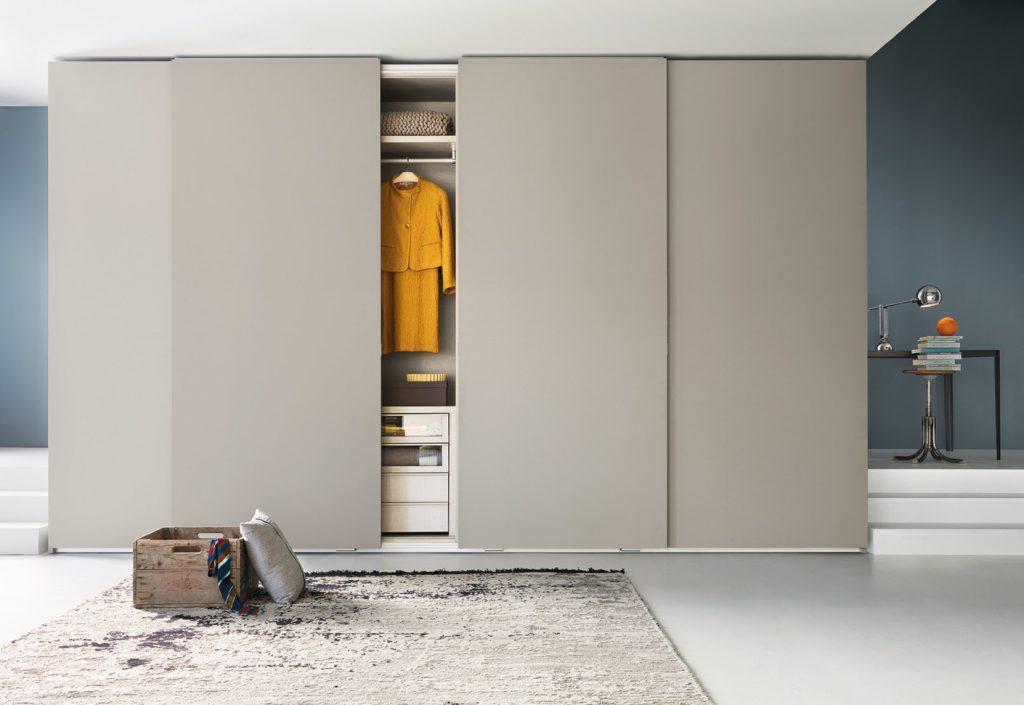 шкаф гардеробная с раздвижными дверями