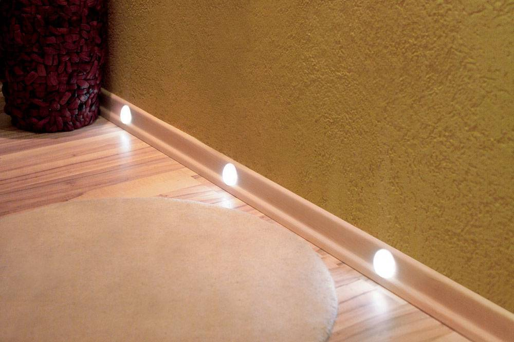 Подсветка плинтусов