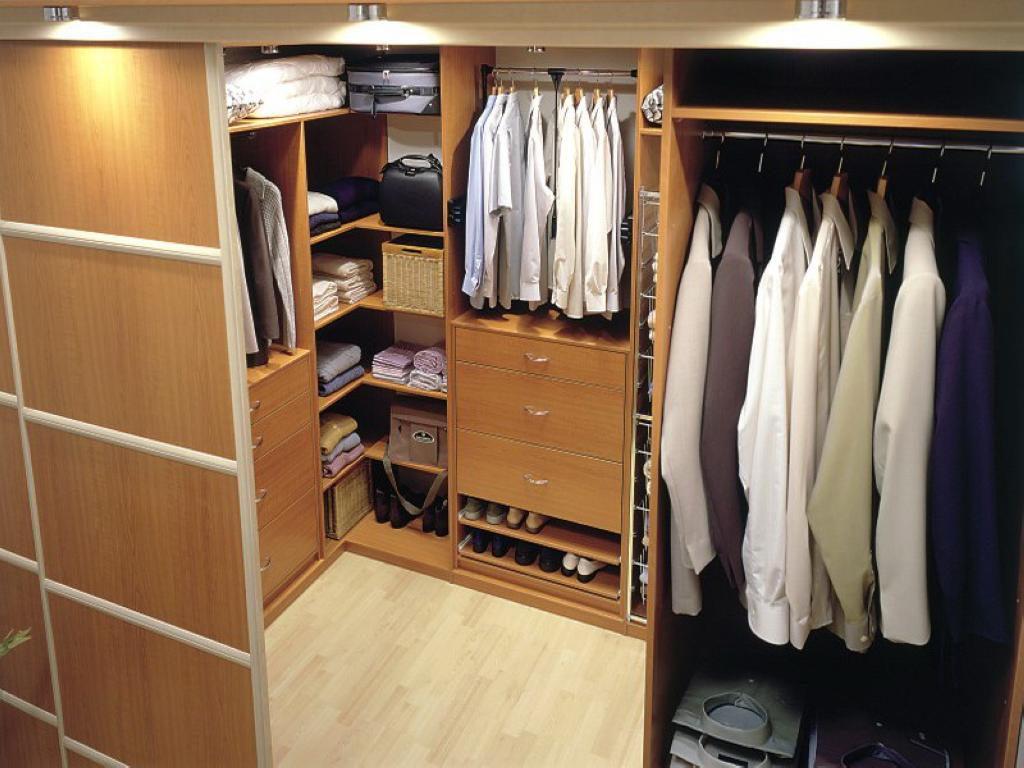 Обустройство угловой гардеробной