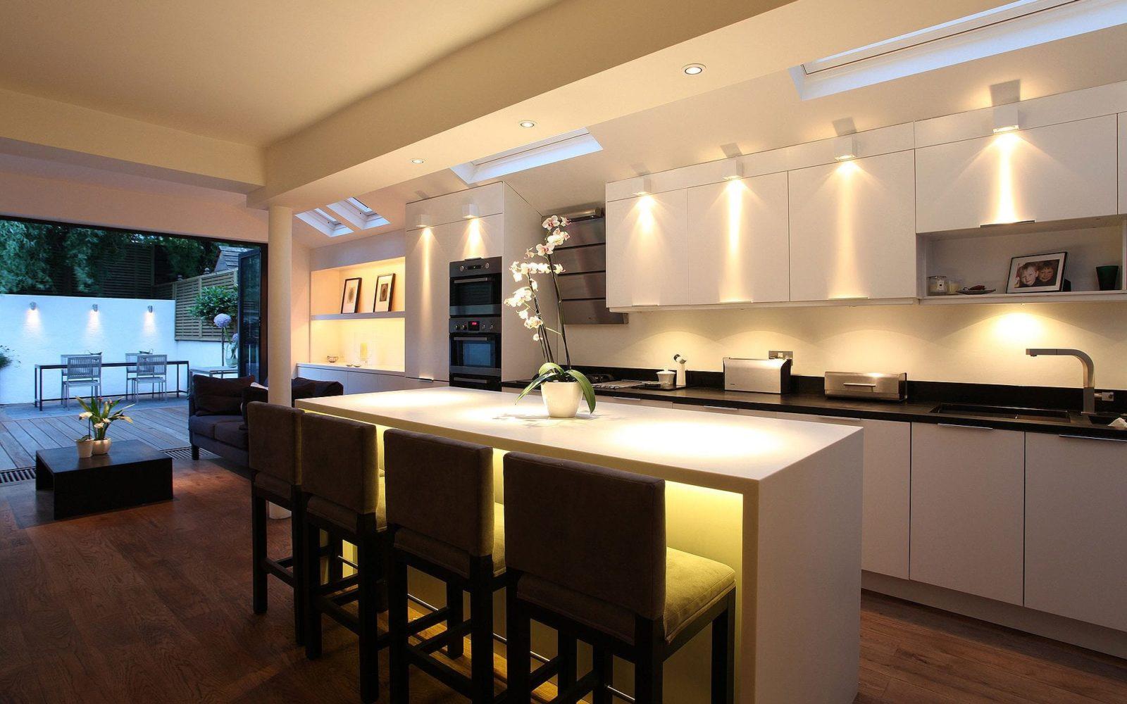 Особенности освещения на кухне: какое бывает и как организовать? (актуальные идеи)