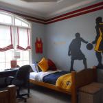 Нюансы при выборе штор для мальчика подростка: советы специалистов