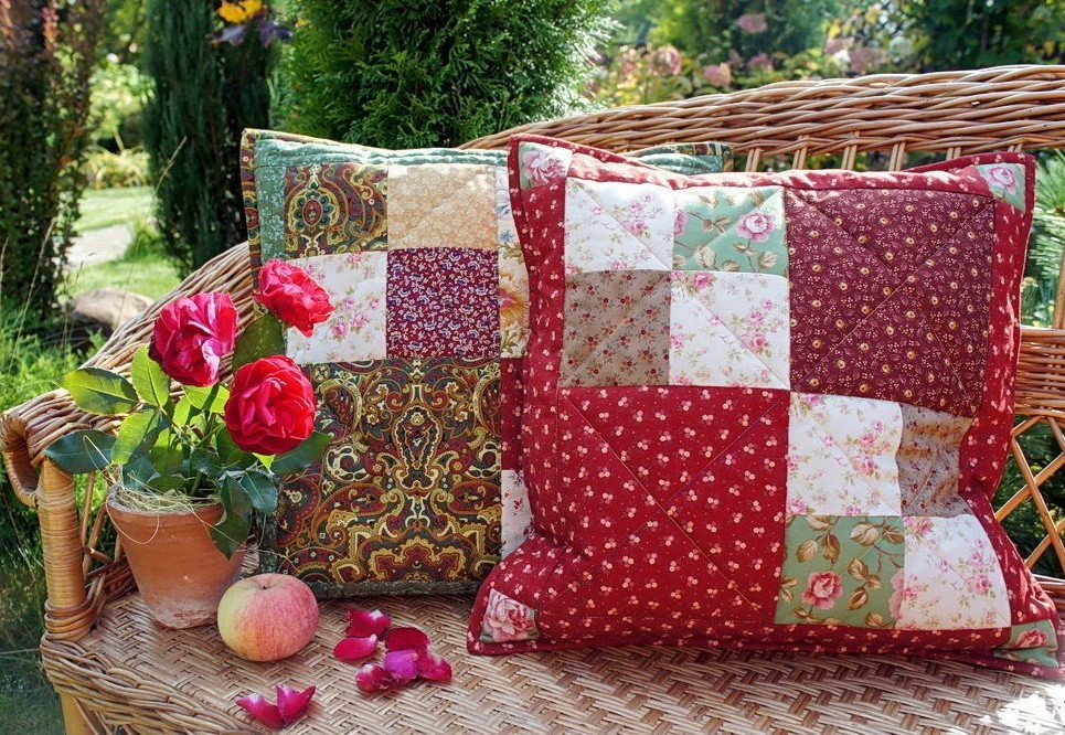Декоративные подушки в стиле пэчворк