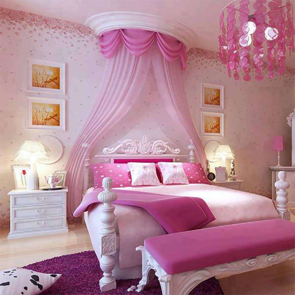 Как у куклы Барби: взрослая спальня с детскими мотивами
